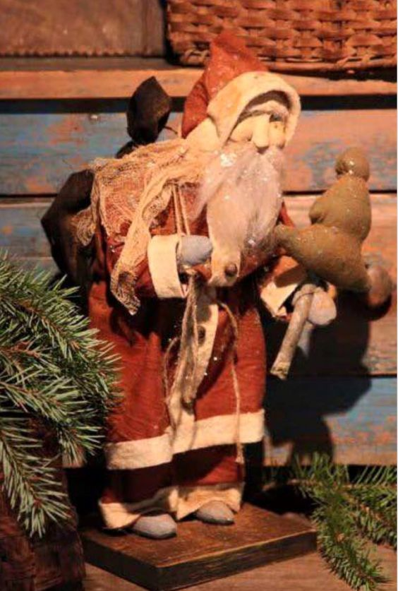 Primitive Santa with Tree - Arnett's Country Store