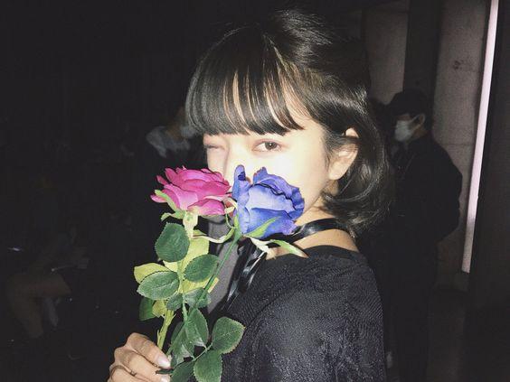 綺麗なお花と田中芽衣