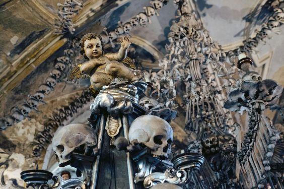 capela-ossuario-sedlec-kutna-hora.jpg (imagem JPEG, 1100 × 733 pixels)