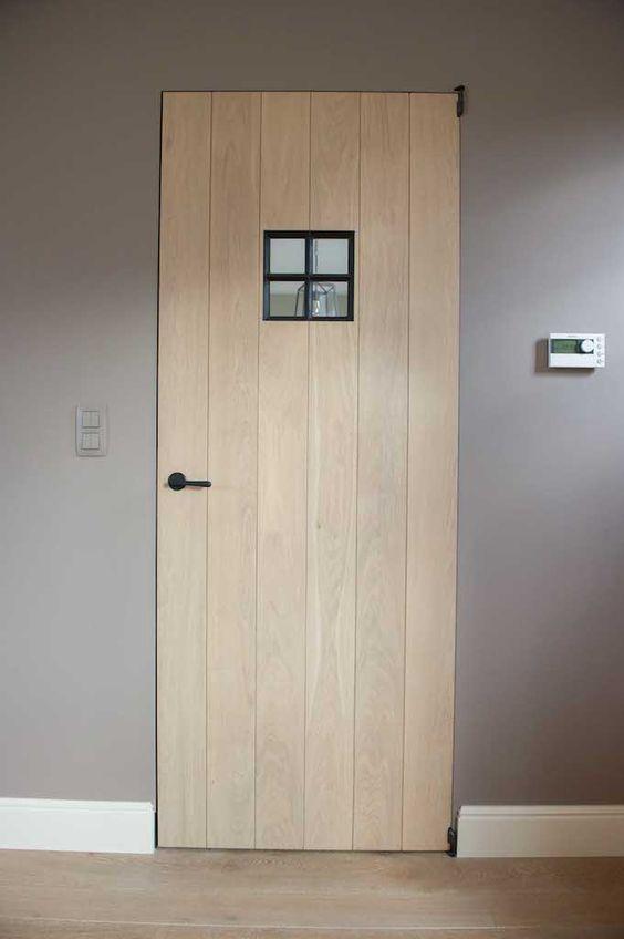 Eiken deur met smeedijzeren raampje ontwerp leen jacobs landelijk pinterest - Grijze wand taupe ...
