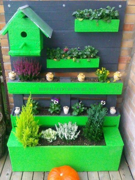 Grüne Ecke für die Terrasse mit Paletten