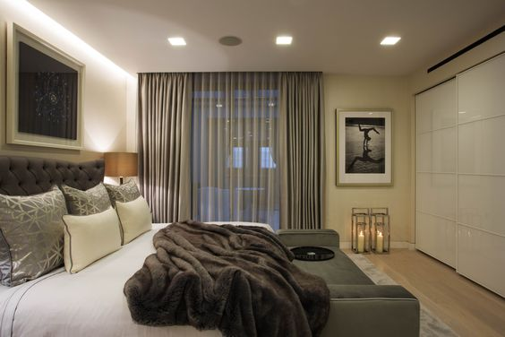 Rigby & Rigby © - Chic Bedroom