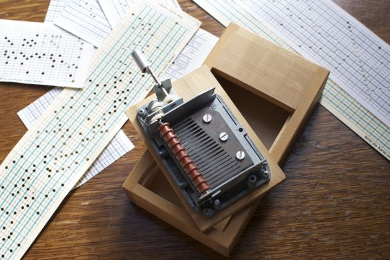 twinkly music box 8