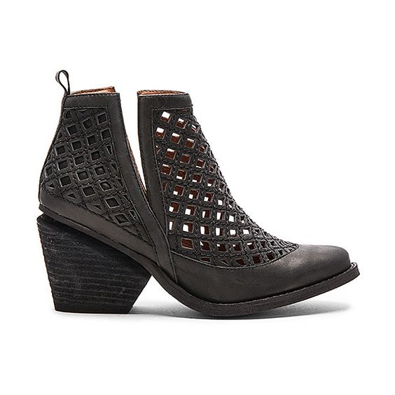Jeffrey Campbell Obsess Booties (2.855 ARS) ❤ liked on Polyvore featuring shoes, boots, ankle booties, sandals, mid-heel boots, caged booties, pull on boots, cut out boots and cut-out boots