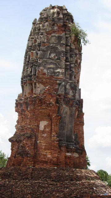 Prang des Wat Lokaya Sutha in Ayutthaya
