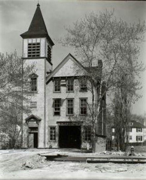 Firehouse no. 52 Spuyten Duyvil: Riverdale Ave & 245th St. (1937)