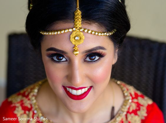 Gorgeous indian bridal makeup. http://www.maharaniweddings.com/gallery/photo/121095