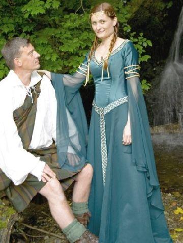 Robe de mariée bleue en Irlande