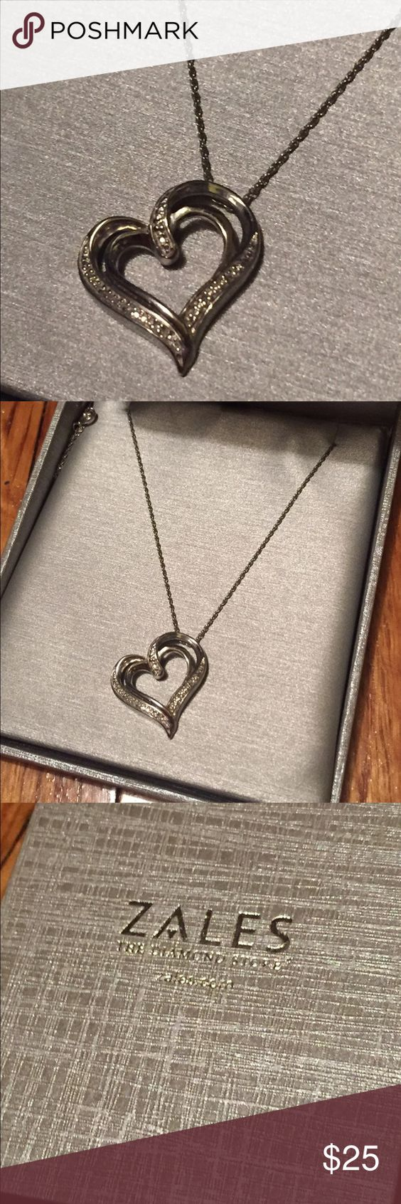 Like new zales diamond accent heart pendant