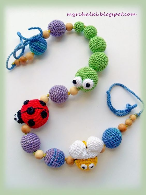 Amigurimi baby toy, combining wood and crochet Cute ...