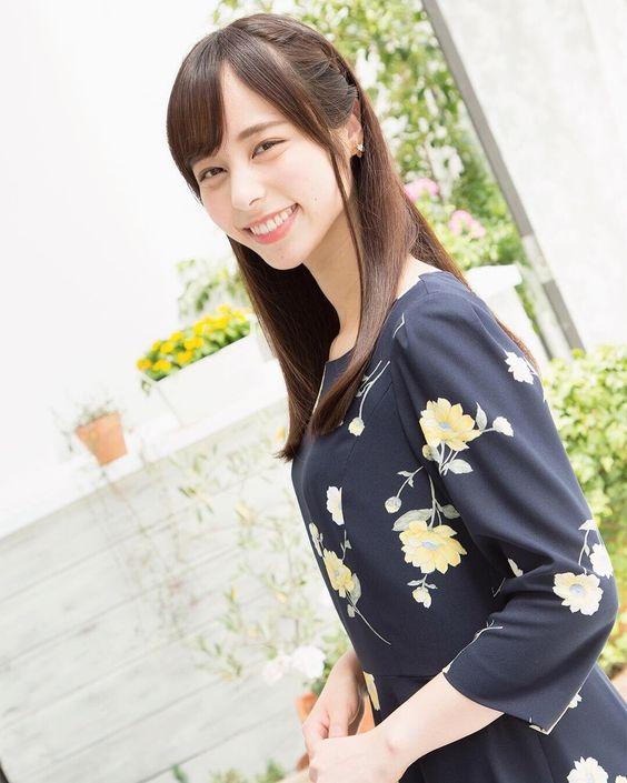 笑顔が素敵な山本萩子アナ