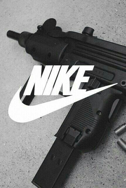 NIKEと銃