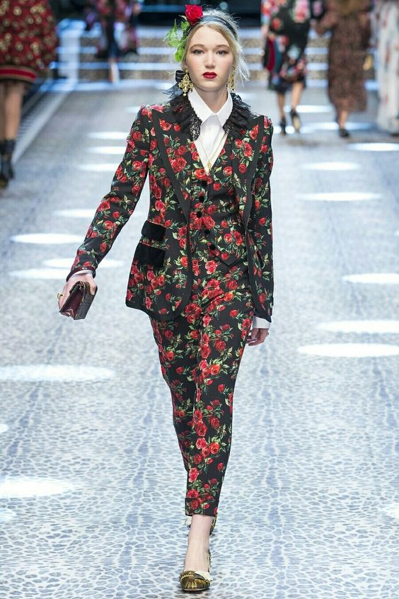 Granny's couch floral pant suit Autumn Winter 2017 2018 fw17/18 trends