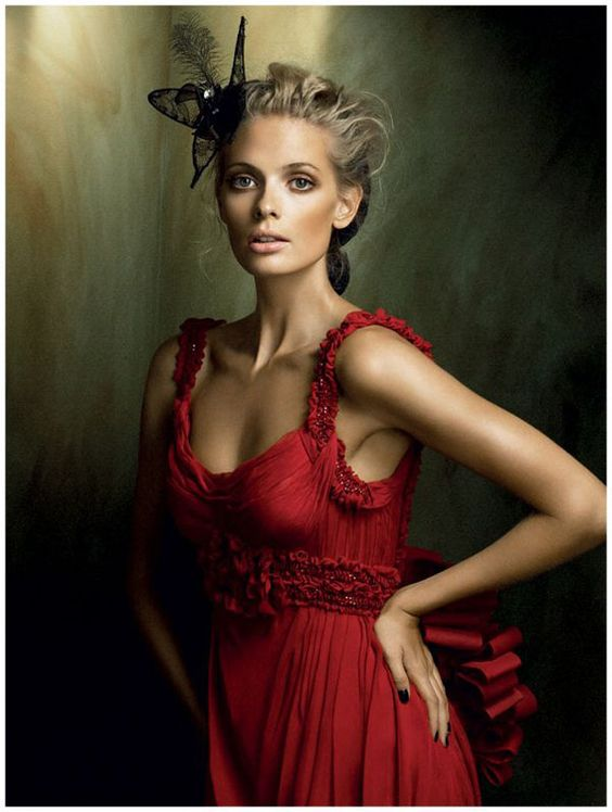 Editorial-Julia-Stegner-Vogue-2008-2d.jpg (600×796):