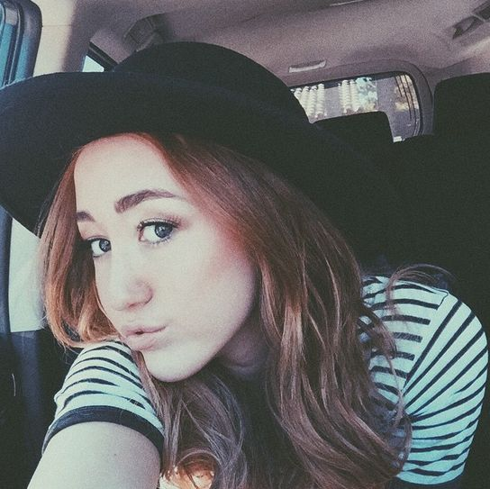Noah Cyrus Looks Like The Old Miley - http://oceanup.com/2015/01/07/noah-cyrus-looks-like-the-old-miley/