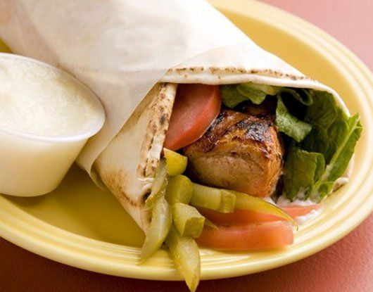 When You Wish To Go Out Of The Extraordinary While Eating Outside Do Consider The Halal Catering And Shawarm Middle Eastern Recipes Food Mediterranean Recipes
