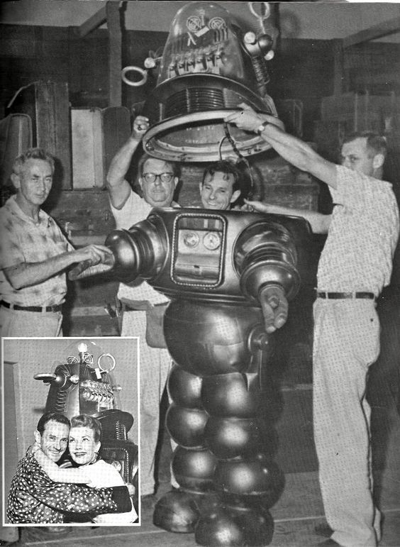 Robby the Robot - Forbidden Planet | Movie Classics Behind ...