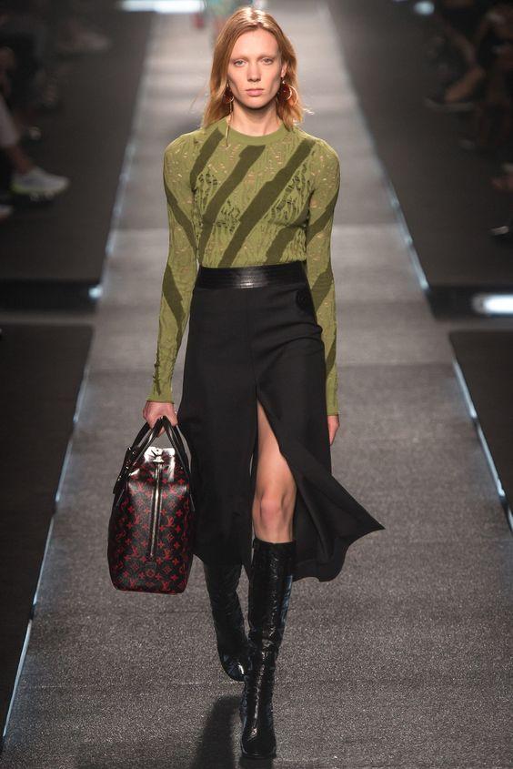Louis Vuitton Spring 2015 Ready-to-Wear Fashion Show - Annely Bouma (Viva)