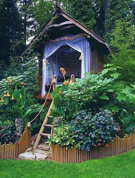 Treehouse villa...I would love to have this in my backyard! also love the border