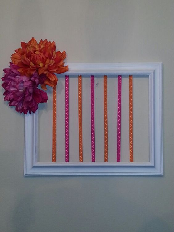 I made this hair board for my niece.  Her mommy loved it!