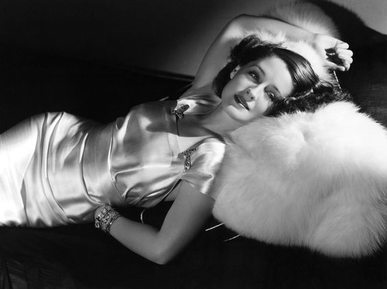 glamorous pic of Norma Shearer