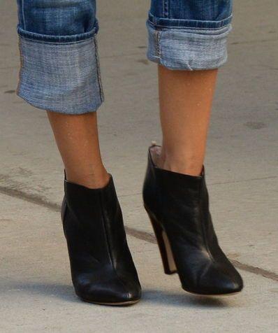 Pantaloni arrotolati