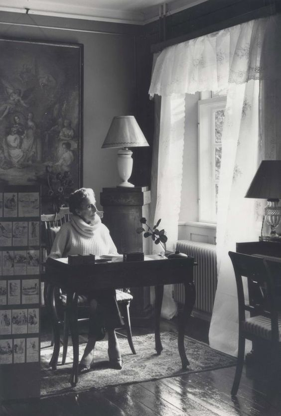 Danish author Karen Blixen (1885-1962) at her desk in Rungstedlund | Lindequist