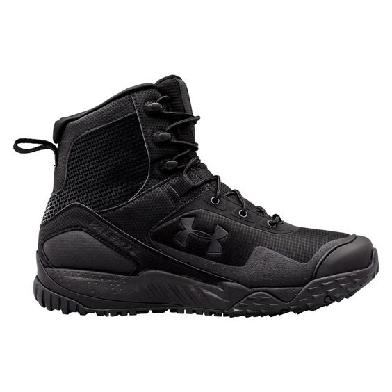 The Under Armour Valsetz RTS SZ is a side zip boot built to provide military and law enforcement professionals with a tactical boot that provides the comfort and performance of a running shoe. Once you've laced the boots to the perfect fit, the side zipper lets you quickly get in and out of the boots. These boots boast a highly water-resistant construction thanks to a synthetic leather and textile upper and durable water repellent treatment. The antimicrobial Ortholite insole provides phe...
