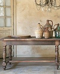 Vintage Table. Simple Design, Simply Beauty