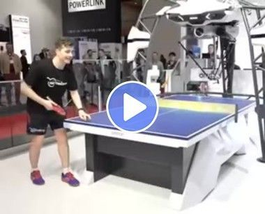 Robô vs Humano no tênis de mesa