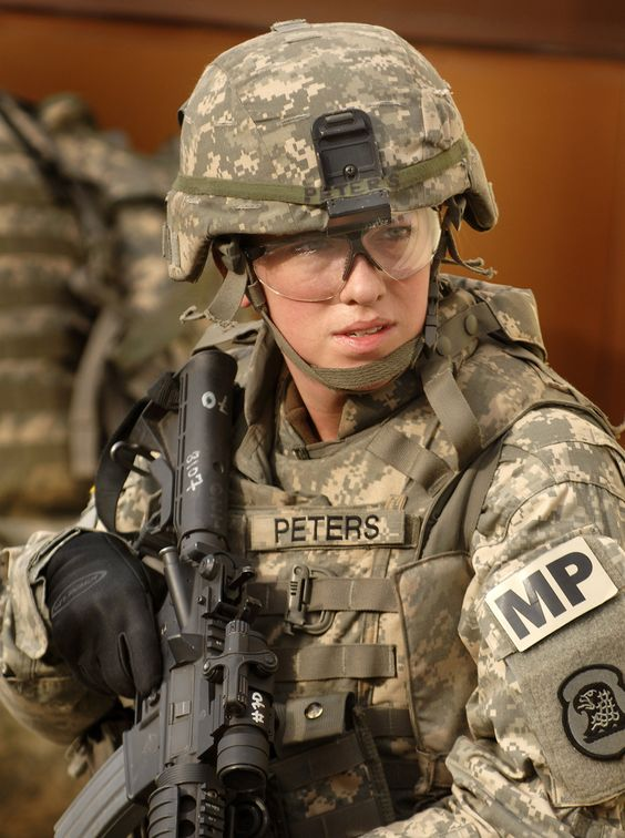 bad ass   u s  army sgt  jennifer peters  186th military