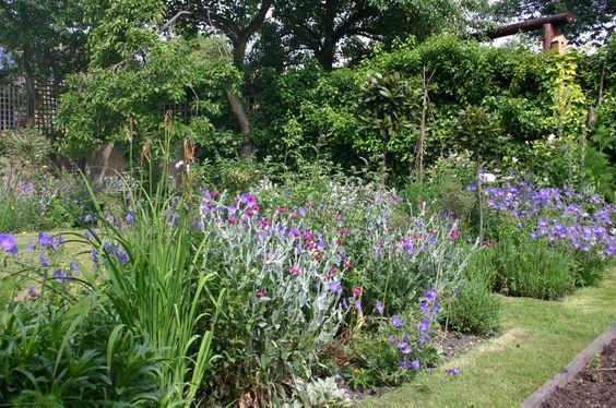 piccoli giardini di campagna inglesi  Cottage Gardens ...