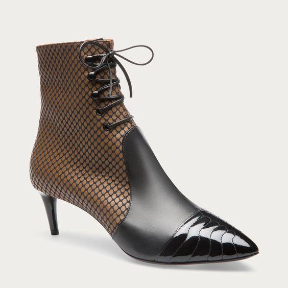 bally macumba bottines pour femme lacets en cuir camel hiver 2016 2017 895 00 the. Black Bedroom Furniture Sets. Home Design Ideas