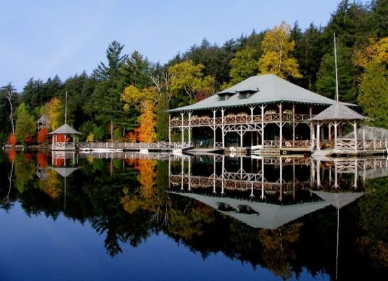 Now that's a boathouse.