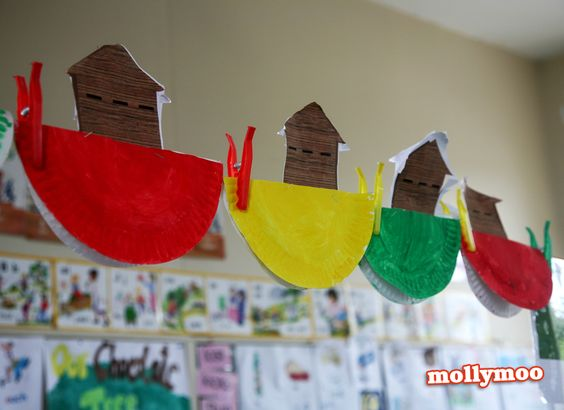 Noah 39 s ark such a simple paper plate craft for the for Noah and the ark crafts