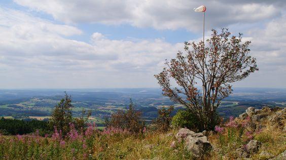 Ausblick vom Fliegerdenkmal über die Rhön