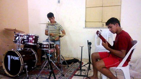 """""""Improvisando , com meu irmão"""" Por Matheus Severiano"""