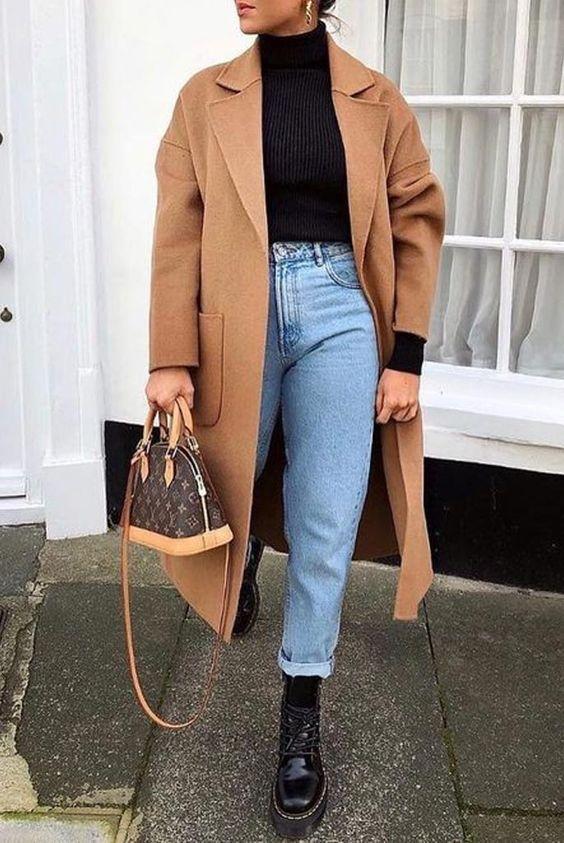 Look atemporal com coturno e calça jeans fashion