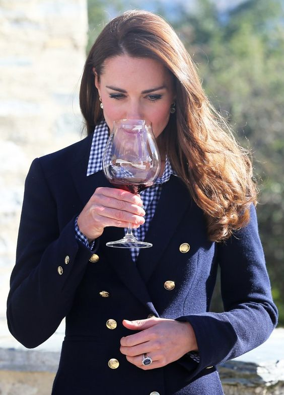 Pin for Later: With 1 Glass of Wine, Kate Middleton Ends Pregnancy Speculation: