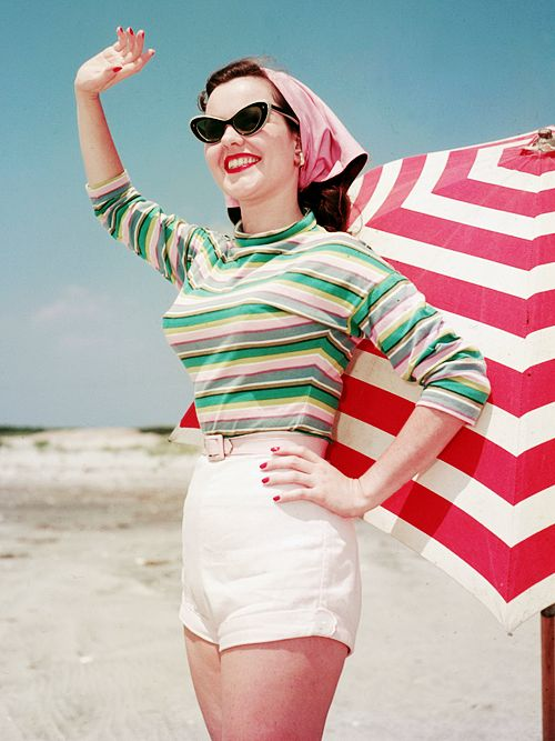 vintagegal:  Beach fashion c. 1956: