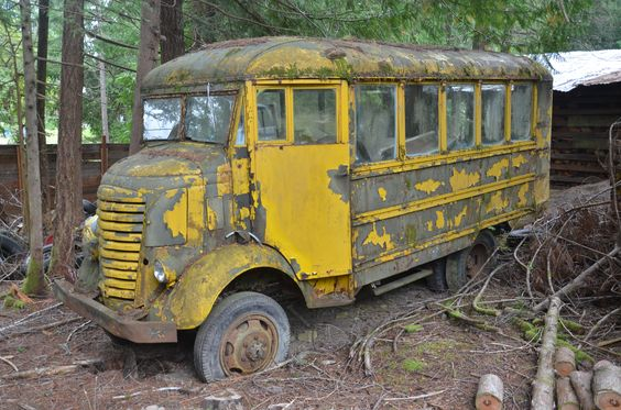 This Is My Old 4x4 Gmc Bus Old School Bus Abandoned Cars School Bus