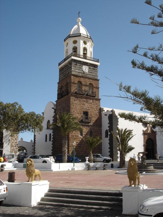 La Villa de Teguise, the old capital of Lanzarote is a fascinating place to visit