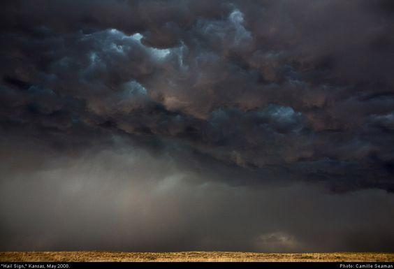 Finding beauty in violent storms – CNN Photos - CNN.com Blogs