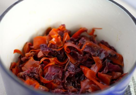 pan-braised red cabbage