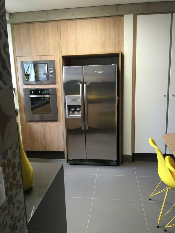 Cozinha charmosa : Cozinhas modernas por Adriana Fiali e Rose Corsini - FICODesign