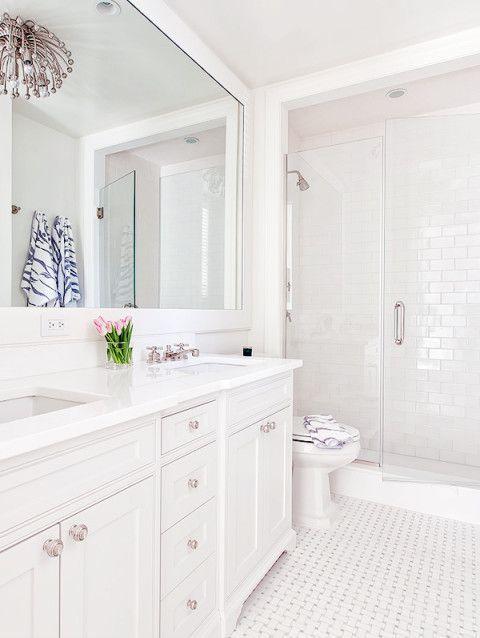 35 White Bathroom Ideas 2020 That Feel Fresh And Luxurious In 2020 Modern White Bathroom Bathroom Interior Design Bathrooms Remodel