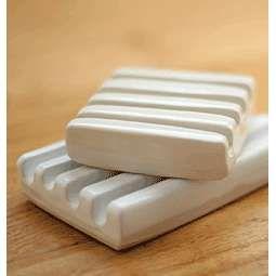 est :: ceramic soap dish