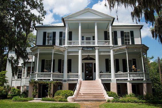 Cuthbert house inn wedding cuthbert and my life for Beaufort sc architects