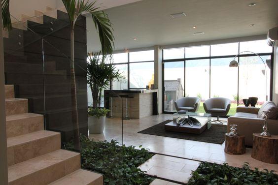 Casa con jardin artificial interior, una gran idea para darle vida a tu hogar. te damos las mejores ideas de decoración y novedades para tu casa. http://ow.ly/X8e4F