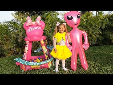 Diana And Roma Playing With New Friends Pretend Play With Toys Youtube Best Kids Toys Kids Playing Monkey Crafts